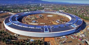 "Amazing ""Spaceship"" Solar-Powered Campus of Apple"